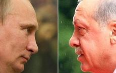 """Mỹ - Thổ sắp """"xâu xé"""" S-400: Nga vẫn bình tâm như """"người đi trên dây""""?"""