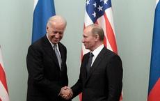 """TT Biden họp báo riêng sau thượng đỉnh với TT Putin, báo Nga bình luận: để tránh nói """"hớ"""""""