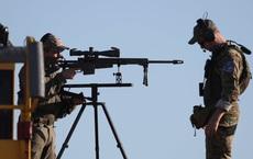 24h qua ảnh:  Lính bắn tỉa bảo vệ chuyến bay chở Tổng thống Mỹ dự thượng đỉnh G7