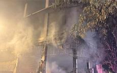 Cháy phòng trà ở Nghệ An, ít nhất 6 người chết