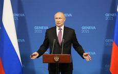 """Báo Mỹ loan tin ông Putin né tránh khi bị phóng viên Mỹ dồn ép gắt: """"Ngài sợ hãi điều gì?"""""""