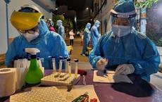 TP. HCM: Gặp tai nạn phải đi cấp cứu, 2 mẹ con bán trái cây có kết quả xét nghiệm dương tính với SARS-CoV-2