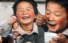 Nụ cười tít mắt của em bé Lào Cai khi được ăn bát cơm có thịt khiến cả triệu trái tim thổn thức