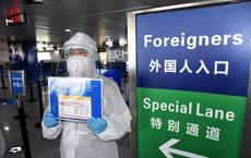 Nhân viên vệ sinh Trung Quốc đốt nhầm hộ chiếu của 31 công dân Hàn Quốc