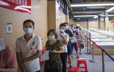 Trung Quốc vượt mốc tiêm 1 tỷ liều vaccine COVID-19 cho người dân: Vẫn thua Mỹ về 1 chỉ số