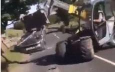 """Thấy ô tô ngang nhiên đỗ cửa nhà mình, người nông dân đã có pha động thủ khiến chủ xe """"sốc tận óc"""""""