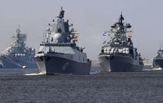 """Chiến hạm Nga khai hỏa, chiến cơ Su-24 nã bom """"trục xuất"""" tàu khu trục Anh ngoài khơi Crimea"""