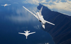 """Nga triển khai siêu máy bay gửi """"thông điệp rắn"""" đến kẻ khiêu khích ở Syria"""