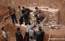 Lăng mộ cổ bị đánh bom 7 lần vẫn nguyên vẹn, sau khi thâm nhập, chuyên gia 'gật gù' hiểu lý do vì sao