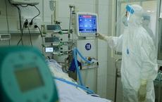 TP.HCM: Bệnh nhân mắc Covid-19 tự mua thuốc điều trị ho sốt, diễn tiến nặng và tử vong trên đường chuyển viện