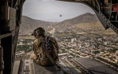 """Mỹ rút khỏi Afghanistan: Washington thảm bại, chính phủ Kabul thành """"mồi ngon"""" cho Taliban"""