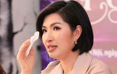 Nguyễn Hồng Nhung: Khi tôi lên diễn, nhân viên đài truyền hình lại nhận được thư đe dọa, bị chặn đánh