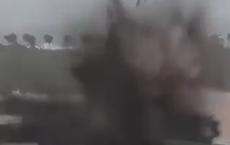 NÓNG: Đê sắp vỡ do nước lũ, quân đội Trung Quốc phá sập luôn bằng thuốc nổ