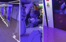 Tàu điện ngầm ngập nước vì lũ ở Trung Quốc: Hành khách vội gọi điện báo thông tin ngân hàng cho gia đình