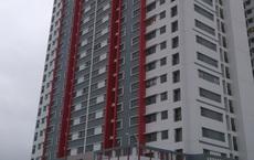 Hà Nội: Bé trai rơi từ tầng 6 chung cư xuống tầng 3 tử vong