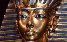 """Lời nguyền xác ướp Ai Cập: """"Thủ phạm"""" làm kẹt kênh đào Suez, gây tai nạn tàu hỏa, sập nhà ở Cairo?"""