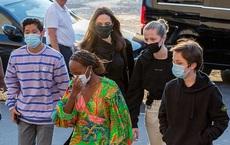Mẹ con Angelina Jolie đi shopping mà gây xôn xao đường phố Paris, sự chú ý đổ dồn về ái nữ Shiloh lột xác nữ tính