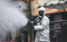 Chuyên gia môi trường: Bài học của Vũ Hán, Ấn Độ và bằng chứng phun khử khuẩn ngoài trời là vô tác dụng, gây hại