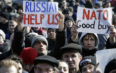 Tại sao phương Tây không ưa Nga?
