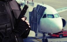 Khó tin: Cả máy bay náo loạn, sơ tán chỉ vì một thủ thuật mà iPhone nào cũng làm được!