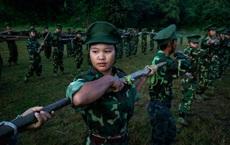 Lo COVID-19 tràn qua biên giới, Trung Quốc cung cấp vaccine cho nhóm vũ trang thiểu số Myanmar?
