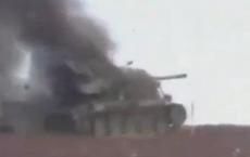 Video: Xe tăng Pháp bị phá hủy dưới làn đạn Krasnopol của Nga