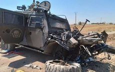"""Cả gan tấn công phá tan xe bọc thép Nga, phiến quân hứng trọn """"cơn thịnh nộ"""" ở Syria"""