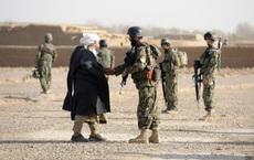 """Mỹ lại """"quyết đấu"""" đến cùng với Taliban ở Afghanistan"""