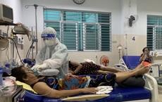 Nữ điều dưỡng tại TP HCM: Không ăn uống, không đi vệ sinh trong suốt hơn 7 tiếng trực, người ướt sũng, tay nhăn nheo vì nóng