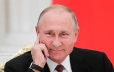 Bất ngờ: Lí do người dân Ethiopia mang ảnh Tổng thống Nga Putin theo người