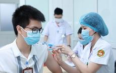 Chuyên gia: Giờ đang là 'thời điểm vàng' để TP HCM tăng tốc tiêm vaccine COVID-19
