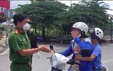 TP.HCM: Người phụ nữ 2 lần chửi bới thô tục ở chốt kiểm dịch, xúc phạm tổ công tác