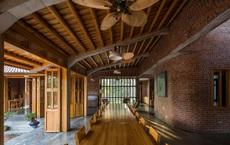 Mê mẩn với nhà gạch gỗ xoan nhiều cửa ở Phú Thọ