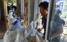 """Có tỉ lệ tiêm vaccine cao hàng đầu: Tại sao Bắc Kinh vẫn """"phòng thủ bằng mọi giá"""", chặn tàu xe từ nơi có dịch?"""