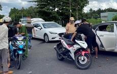 Cảnh sát giao thông chặn ô tô bắt nhóm vận chuyển ma túy