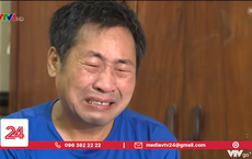 Người cha bật khóc vì không thể mua điện thoại cho con học online, dân mạng ra tay giúp đỡ ngay lập tức