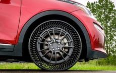 Cách tốt nhất để lốp xe không bị xì hơi: Làm lốp không có hơi!