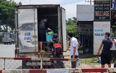"""CSGT TP HCM phát hiện 6 F0 trong thùng xe mã QR """"luồng xanh"""""""