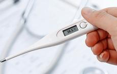 Sốt sau tiêm vaccine phòng COVID-19: Những lưu ý từ chuyên gia