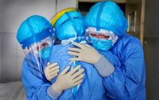 """Bên trong Bệnh viện dã chiến ở TP HCM: Từ nơi xa lạ đã trở thành """"nhà"""" của nhiều nhân viên y tế"""