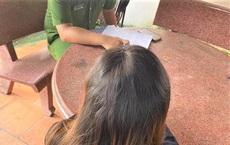 Nhận gạo cứu trợ chê không ăn đòi cho gà hàng xóm, cô gái bị triệu tập