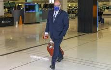 """Đại sứ Pháp lủi thủi kéo vali rời Úc: Hé lộ chi tiết """"giọt nước tràn ly"""" đẩy Paris đến tột cùng phẫn nộ"""