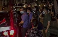 NÓNG: Khám nhà Đại tá Phùng Anh Lê - Trưởng phòng Cảnh sát kinh tế Công an Hà Nội