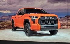 Đây là Toyota Tundra TRD Pro - Bán tải full đồ chơi đấu Ford F-150 Raptor