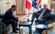 Khủng hoảng tàu ngầm Pháp-Australia: Cảnh báo nóng với Paris, hàng loạt hợp đồng sẽ sụp đổ - Lãnh đạo Pháp và Anh điện đàm