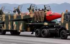 Cựu cố vấn an ninh Mỹ: Khả năng Taliban có được vũ khí hạt nhân là khá cao