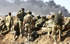"""Gậy ông đập lưng ông: Cú đâm sau lưng của Mỹ ở Syria khiến Saudi """"đổi phe"""" sang Iran?"""