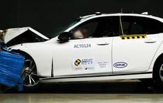 """Hé lộ hình ảnh xe VinFast bị """"tra tấn"""" trong bài kiểm tra của ASEAN NCAP"""