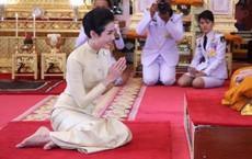 """""""Hồng nhan bạc phận"""": Vẻ đẹp nao lòng của Hoàng quý phi Thái Lan mới bị phế truất"""