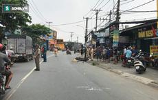 Né xe máy từ vỉa hè lao ra đường, người phụ nữ bị xe tải cán tử vong thương tâm ở Sài Gòn